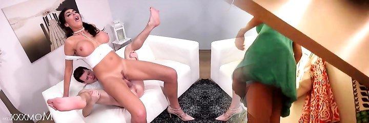 mumia squirting gigantyczne piersi brit mamuśki