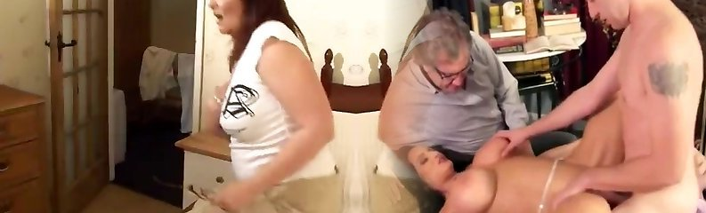 tombul mega-sürtük christina cooch iyi boyutlu gövde onu paketi alır