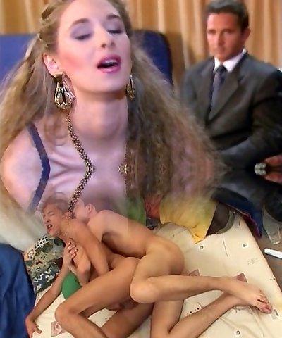 Alexandra Ross- Bourgeoise Fucky-fucky