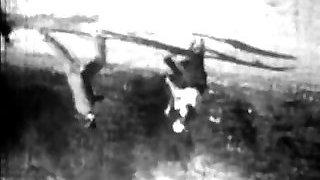 המנצח ברגים הנערה את דונק (1920 עתיק)
