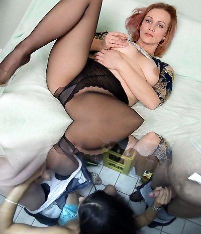 American milf Joclyn slams her cunt with nylon pantyhose