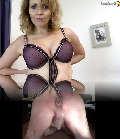 Damn Hot Cougar frolicking with her rocking body