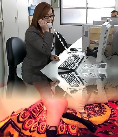 Japanese jaw-dropping milf in the office