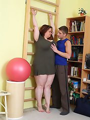 He comes to her house to train the BBW but today the coach gives her cunt a fucking