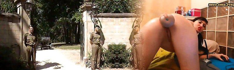 Lisa Crawford- Soldiers pummel the G�n�ral Wifey
