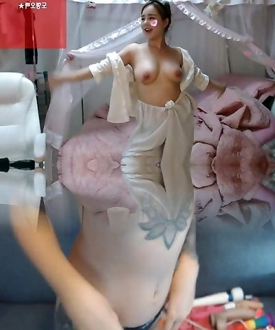 hot korean Bj with nice tits
