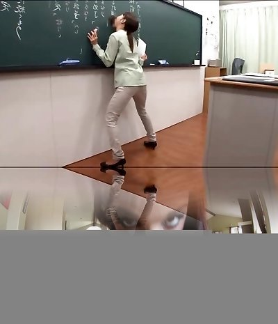 Chinese teacher gives a valuable lesson
