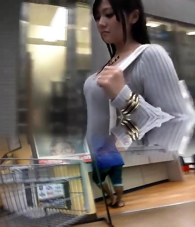 Awesome Japanese hardcore oral pleasure sexy babe
