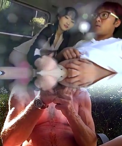 Korean couple bang-out in car