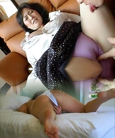 Exotic Japanese model Neo Kazetani, Ayumi Iwasa in Greatest Cunnilingus, Fingering JAV video