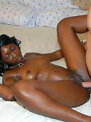 Hot ebony amateur babe with a killer booty