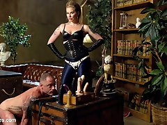 New slave, D. Arclyte, desperately wants to get past Maitresse Madelines security, but only the...