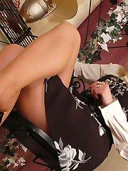 Angel in reinforced heel tan pantyhose