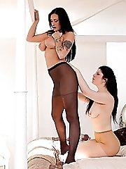 Lesbian Pantyhose Lickings