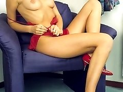 Smoking hot solo clip of a sexy babe brandishing her puffy nipples and hirsute pussy