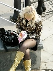 Great sitting upskirt photos