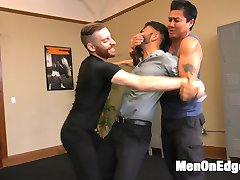 Sebastian manages to drag Van to tango lessons, where the two find a hot -- yet totally cruel --...