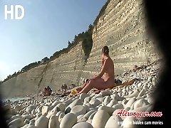 Voyeur videos of girls on nude beaches flashing bodies