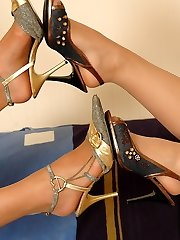 Pantyhosed babes fitting on various high heel shoes before hot nylon games