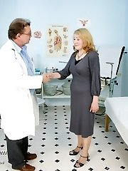 Granny Sofie mature pussy gyno speculum gyno examination at clinic