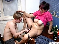 Trashy mature seducing guybr