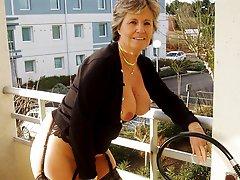 nude amateurs outdoors