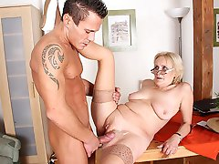 Granny with wrinkled skin and soft titties fucked in her wet pussy and taking a cumshot