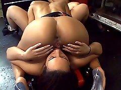 Hot interracial lesbian threesome