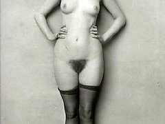Beautiful women posing nude