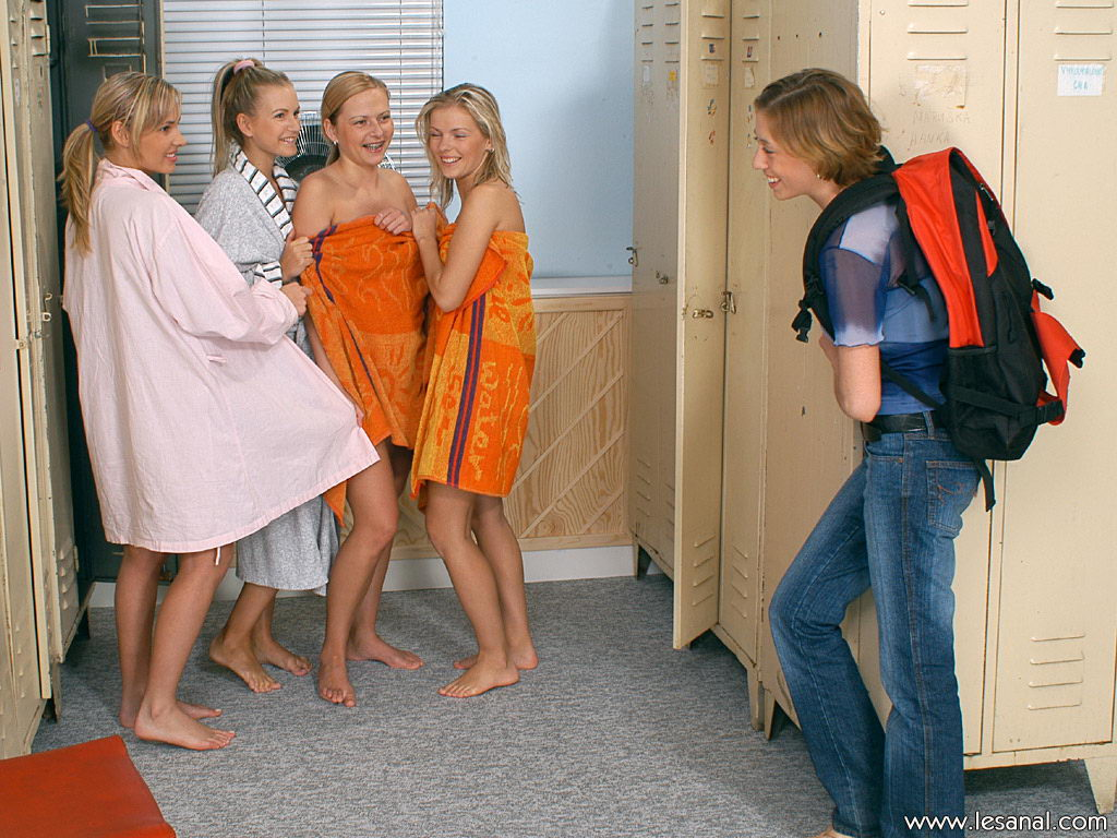 Lesbian Girls Rub Clits