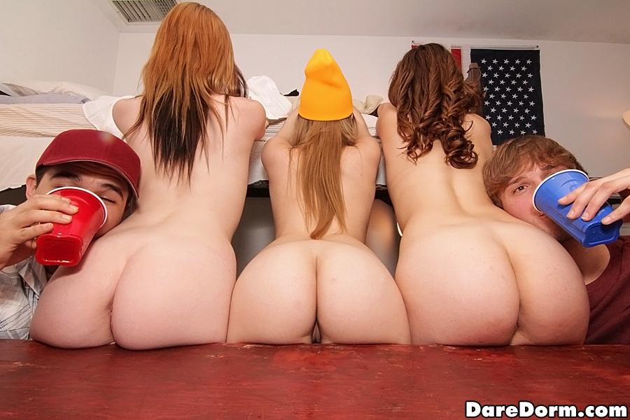 College Amateur Threesome Ffm
