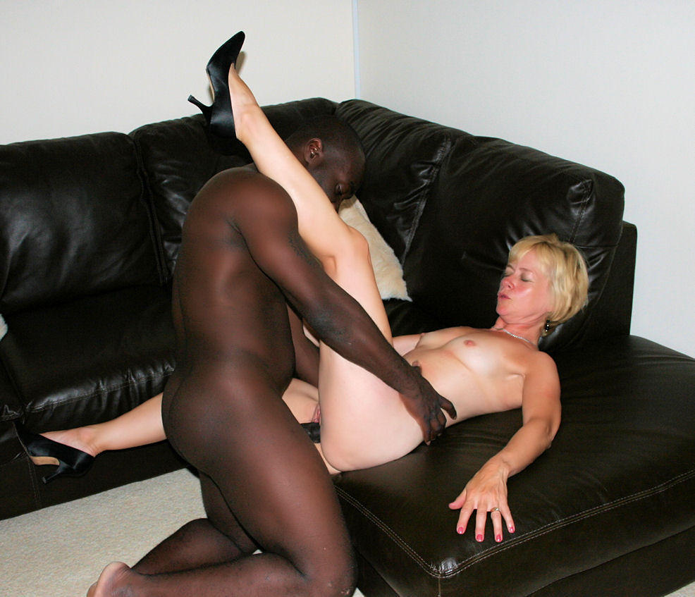 Interracial amateurs bang