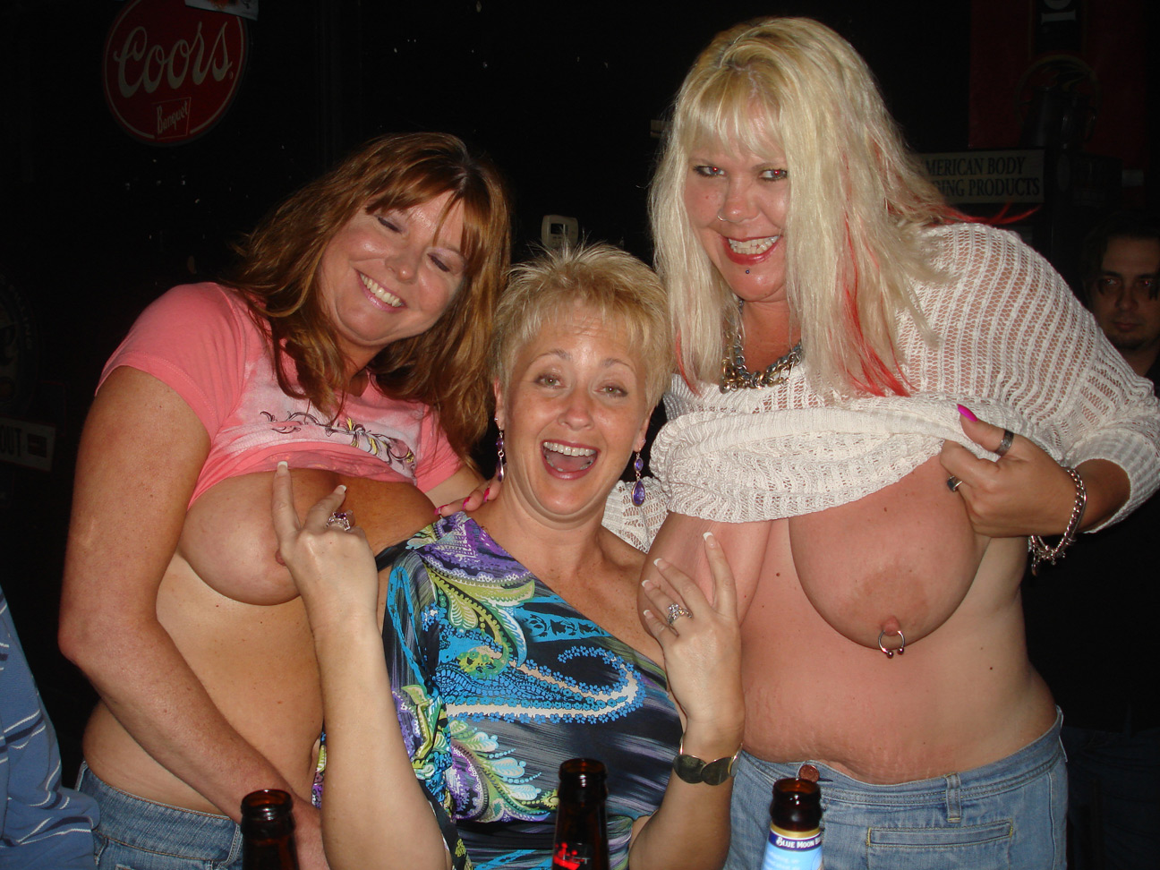 Tracy, Dee & the rest of the hottie wives all get together ...