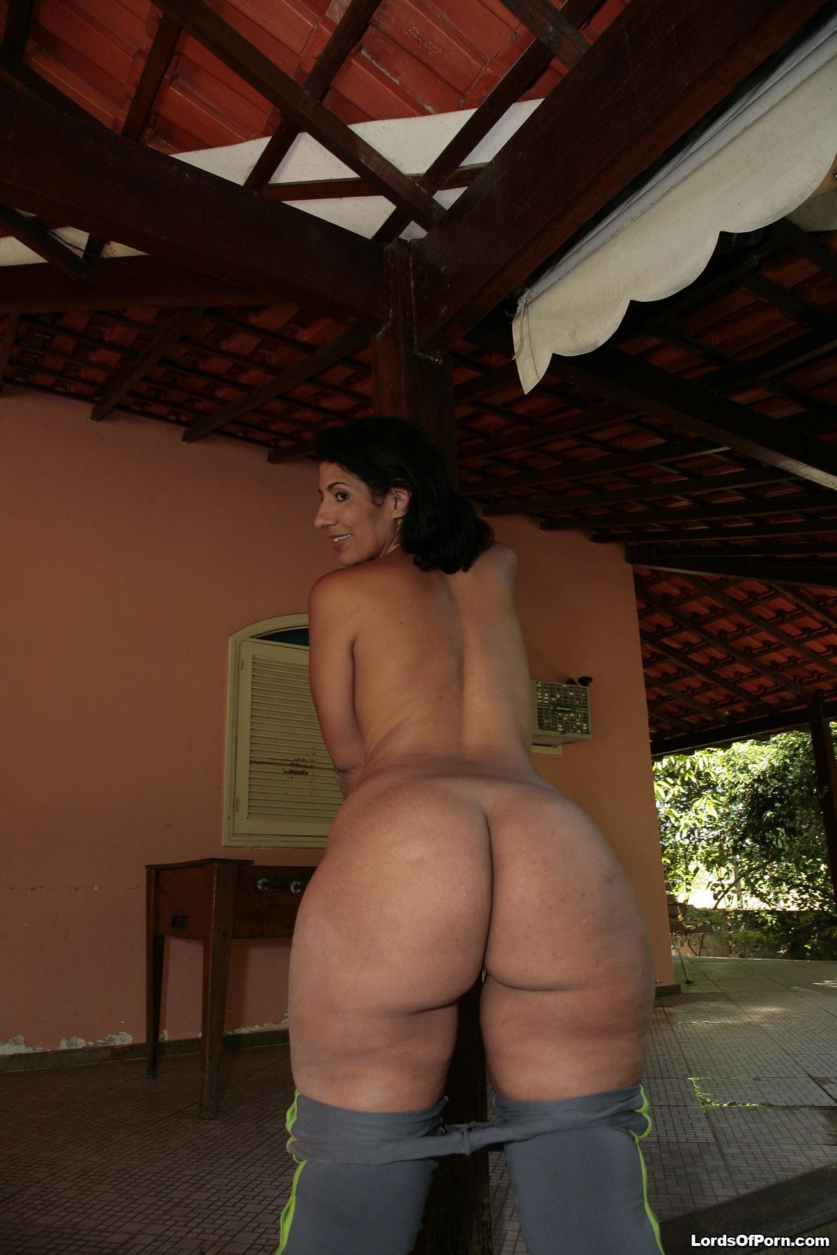Big Ass Brazilian Tranny