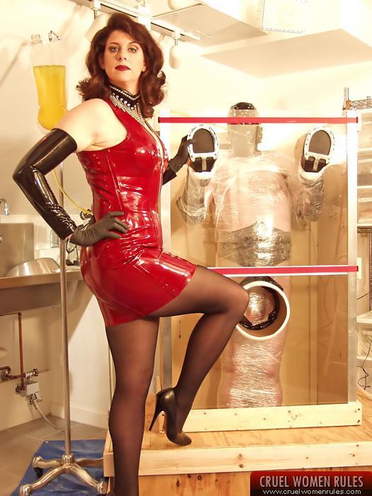 Mistress Lucy Zara Slave