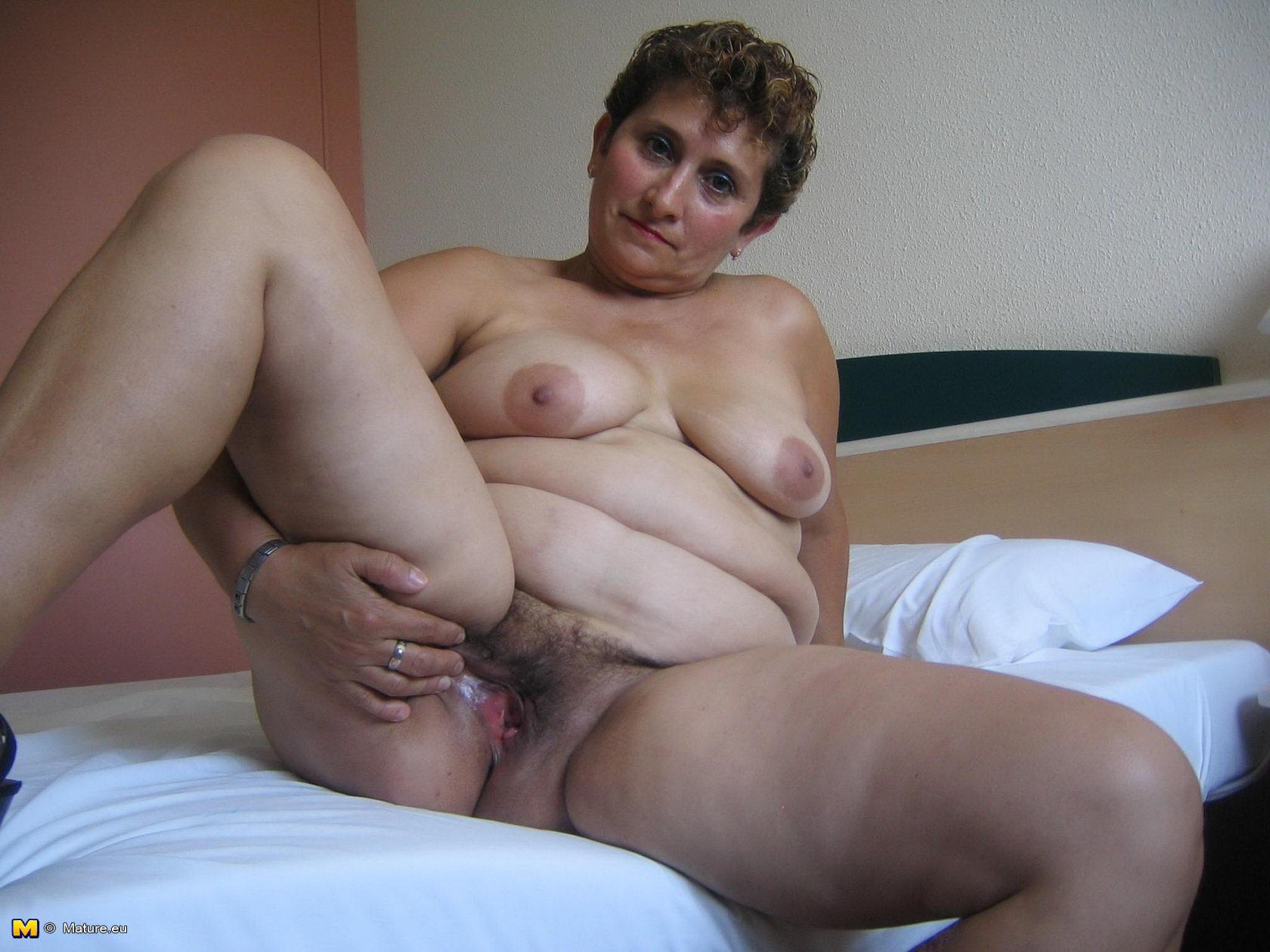 Eu pussy Mature