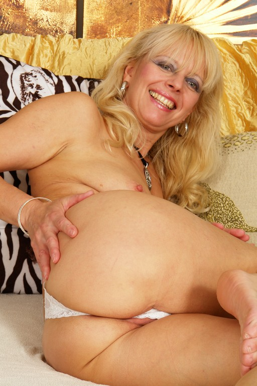 Hot Amateur 50 Year Old