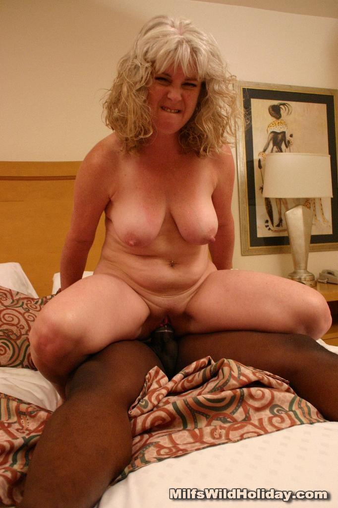 Cheating Horny Mature Mom