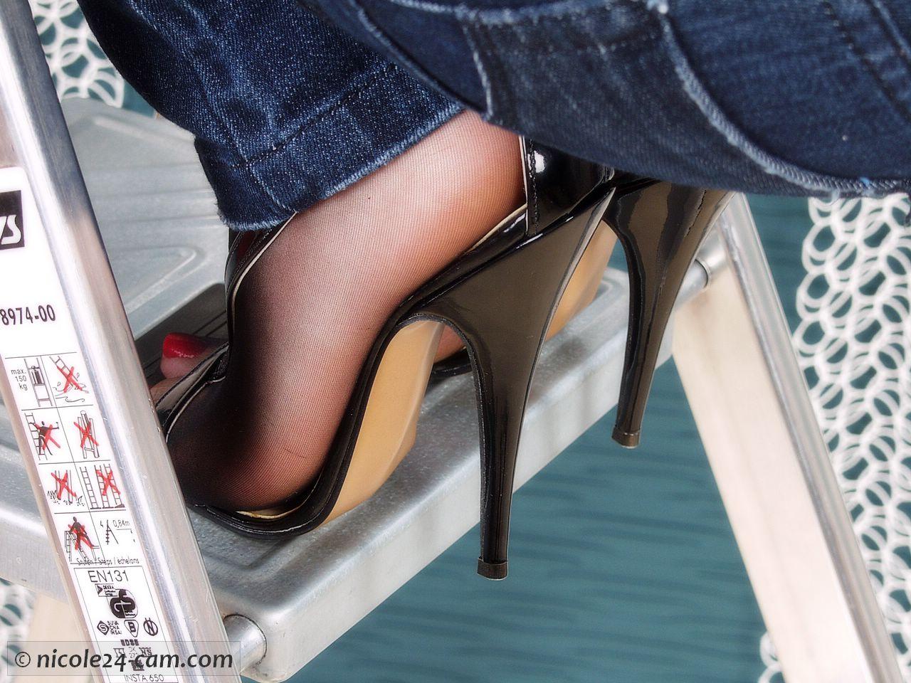 Lingerie High Heels Blowjob