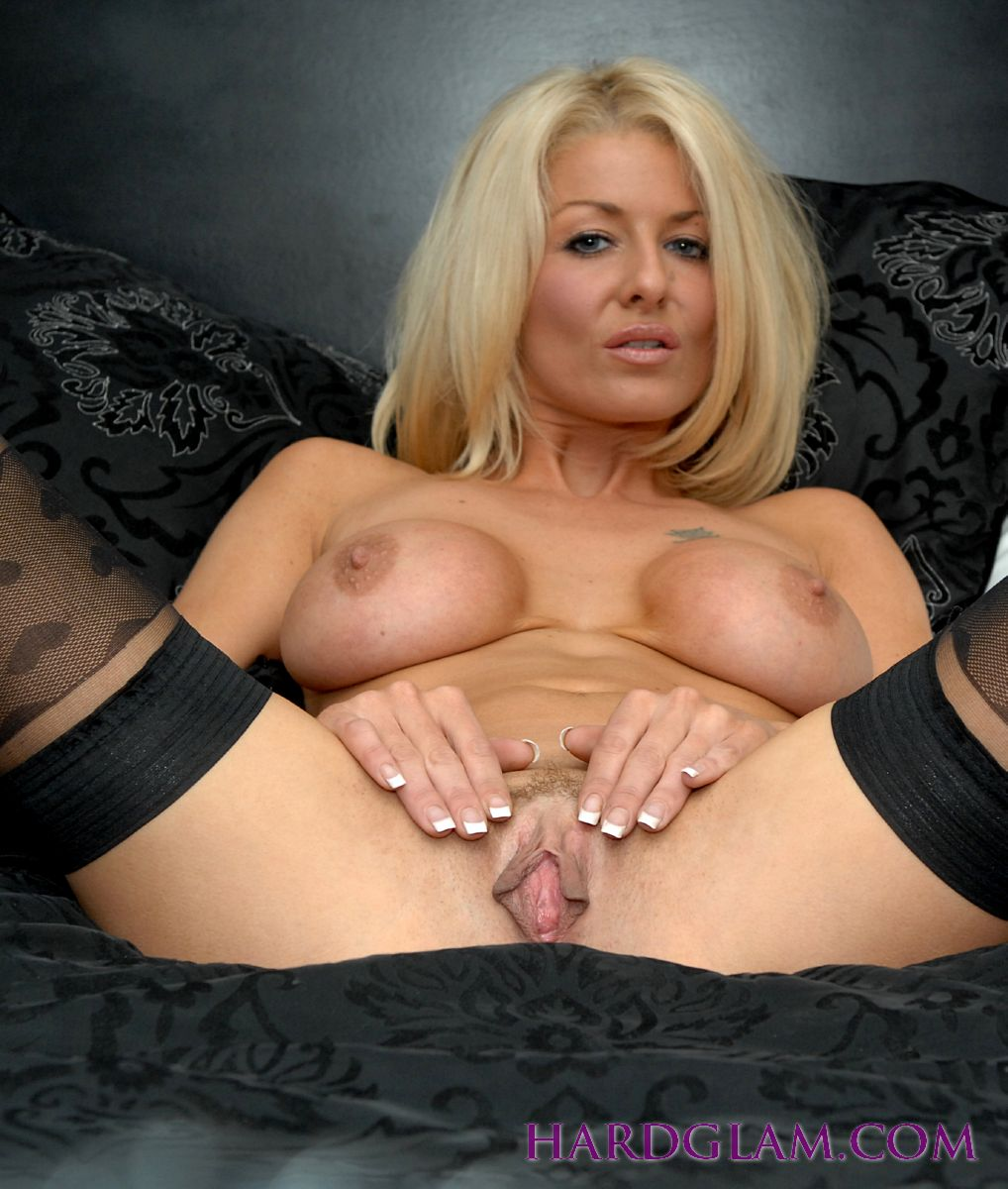 Natural Busty Blonde Milf