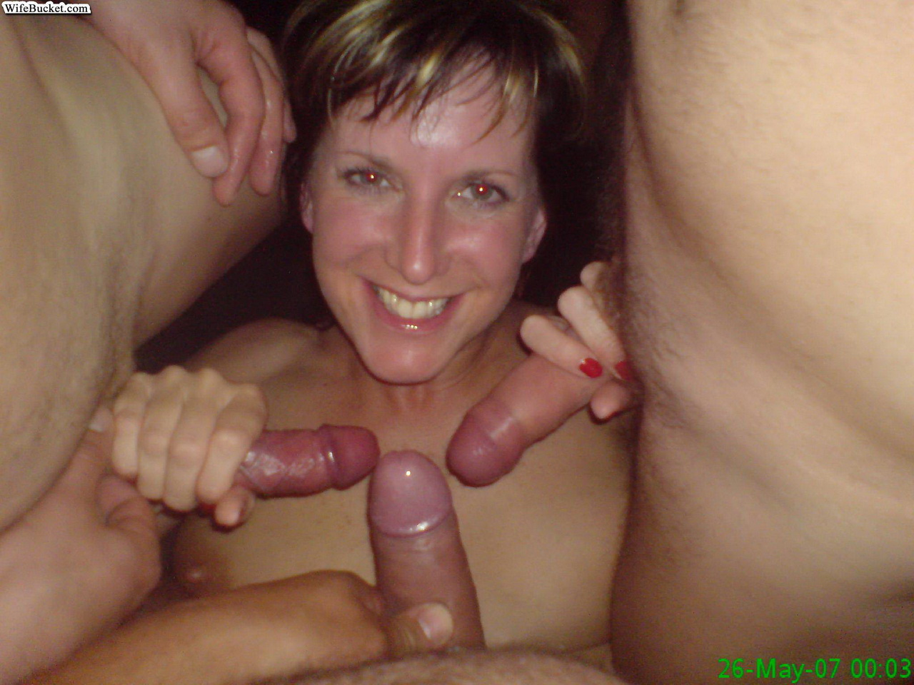 Amateur Caught Giving Head