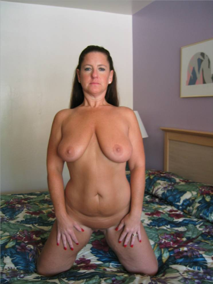 Yummy mummies naked hot share your
