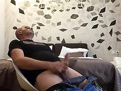 Str8 big fegar sex के साथ खेलने के बेडरूम में