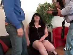 Jaunas lisa phone BBW analinis pakliuvom jos liejimo sofos