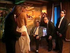 Stare retro porno z veliko orgija