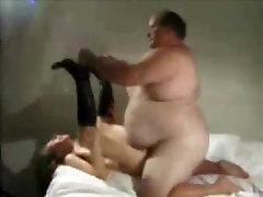 Very fat nanthra xxx guy bangs younger girl hard