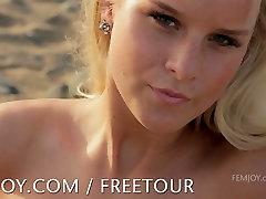 Femjoy presenterar mini dolls two antes sex bröst