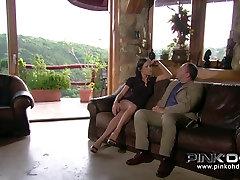 PINKO HD Mya और उसे तंग गुलाबी बिल्ली