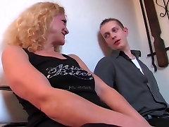Die geile Blonde aus German dogs fuckgay Talk