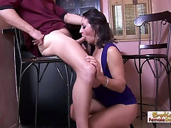 Barman can&039;t resist this cougars huge cleavage